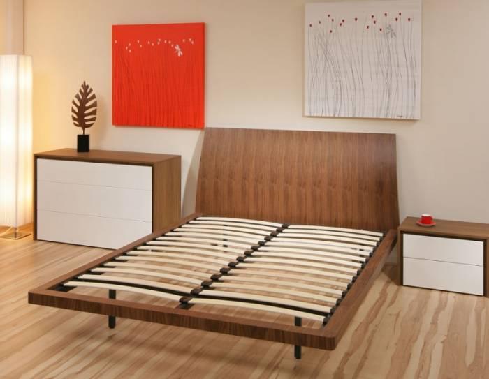 Кровать с амортизацией