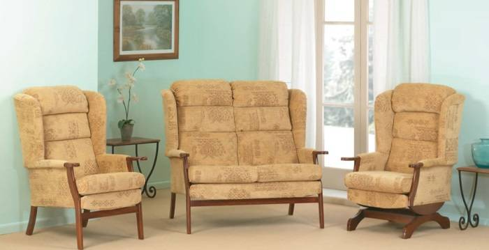 Мягкая мебель с высокой спинкой