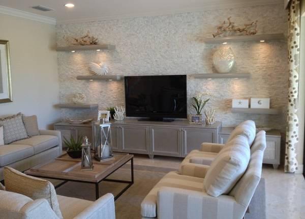 Оформление маленькой гостиной - используем стены