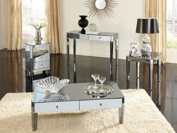 Оформление маленькой гостиной - зеркальная мебель