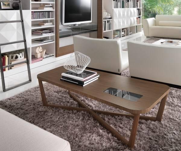 Журнальный столик из древесины ореха Mosaico от Besana