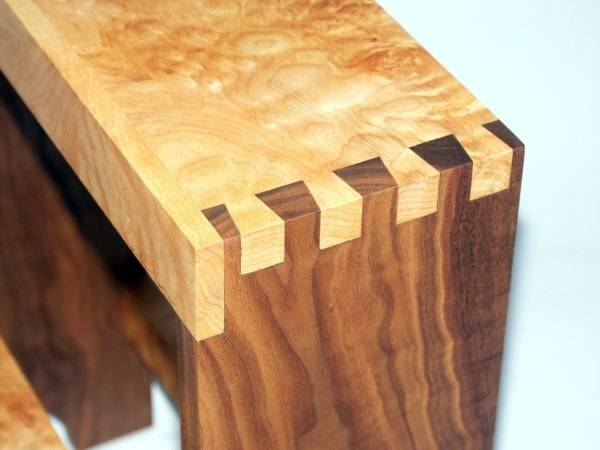 """Мебель из дерева - соединение """"ласточкин хвост"""""""