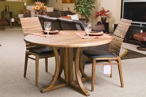 Мебели из дерева тика