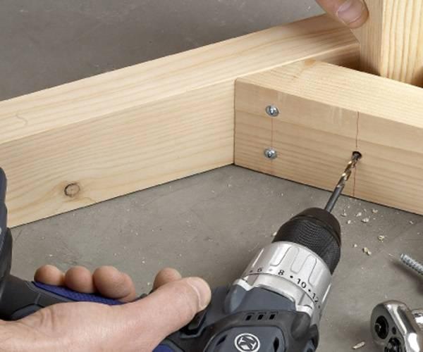 Мебель из дерева - скрепление углов