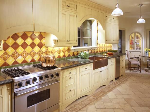 Кухня в классическом тосканском стиле