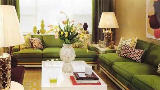 Яркая и разноцветная гостиная