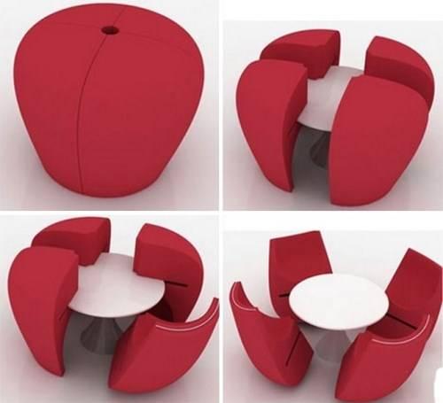 Обеденный стол с мягкими креслами