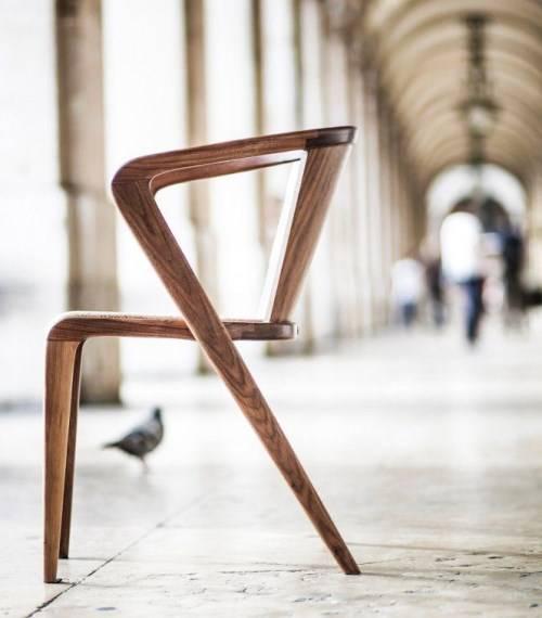 Стул от дизайнера Alexandre Caldas