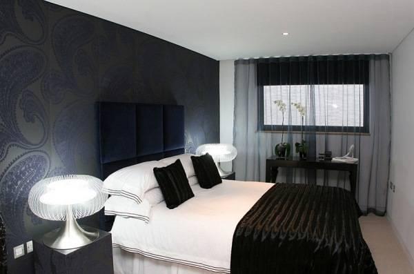 Маленькая спальня в черном цвете