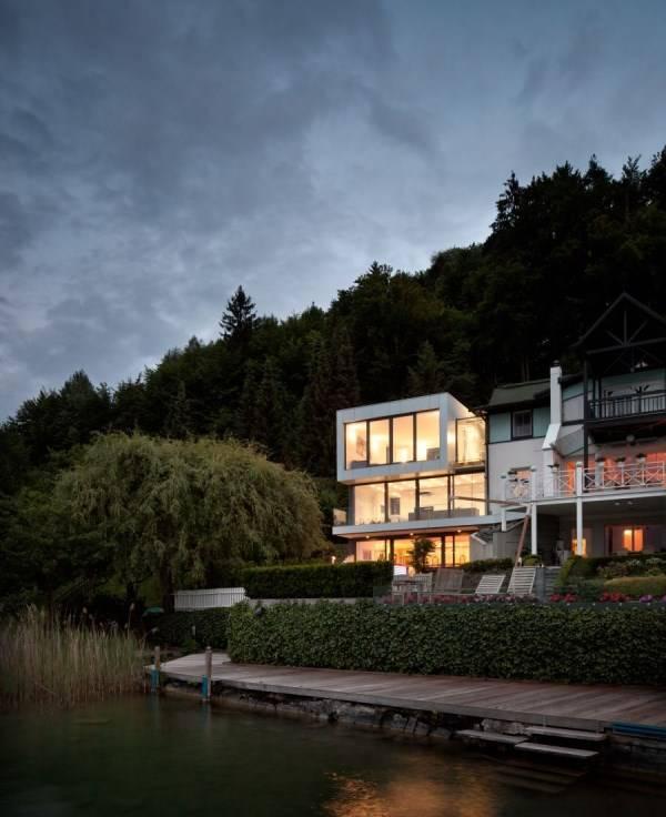 Дизайн большого дома у озера