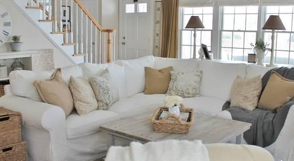 Диван и подушки в стиле прованс