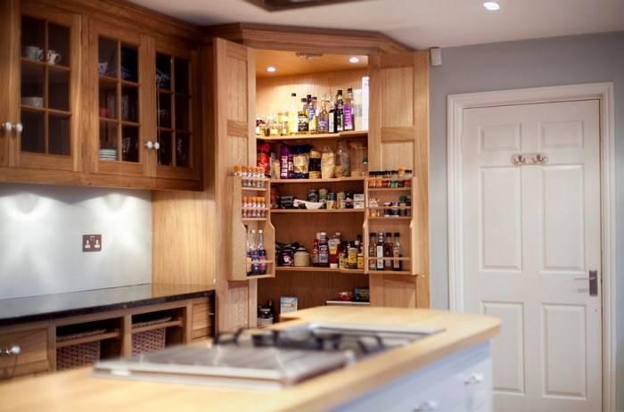 Угловая кладовка для кухни