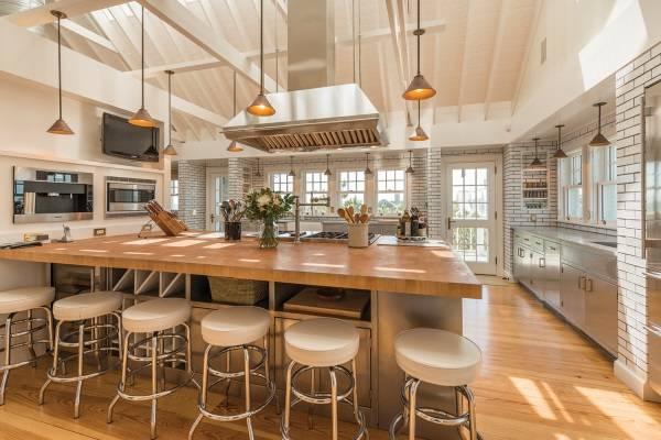 Ünlü bir kişinin evinde mutfak tasarımı
