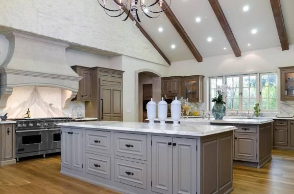 Дизайн кухни в домах знаменитостей