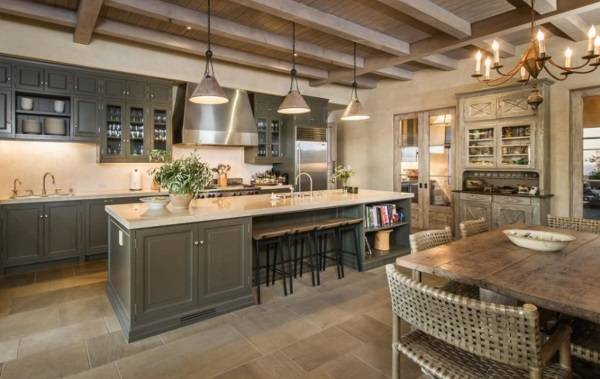 Lady Gaga'nın yaşadığı ev, mutfak tasarımı