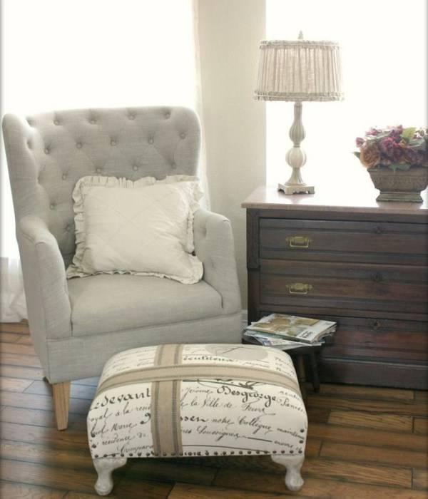 Мягкая мебель и комод в стиле прованс