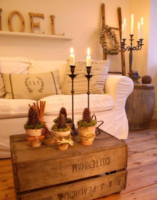 Новогодний декор из шишек и свечей