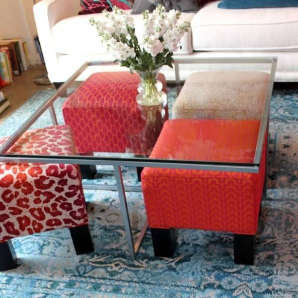 Современный стеклянный столик