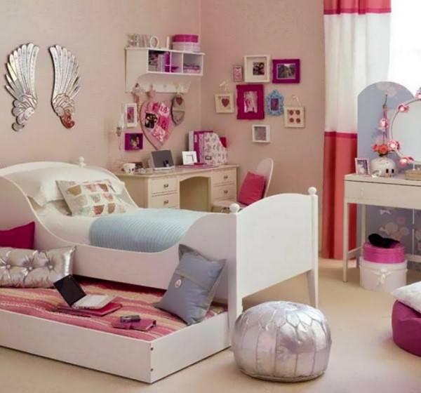 Модная детская в розовом