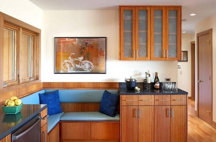 Угол кухни с зоной отдыха