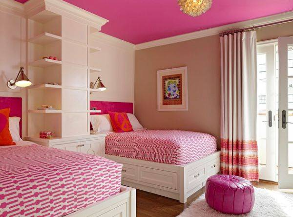 Дизайн розовой спальни для двух девочек