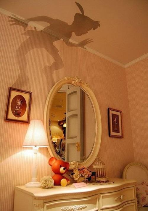 Лампа с рисунком, отбрасывающим тень