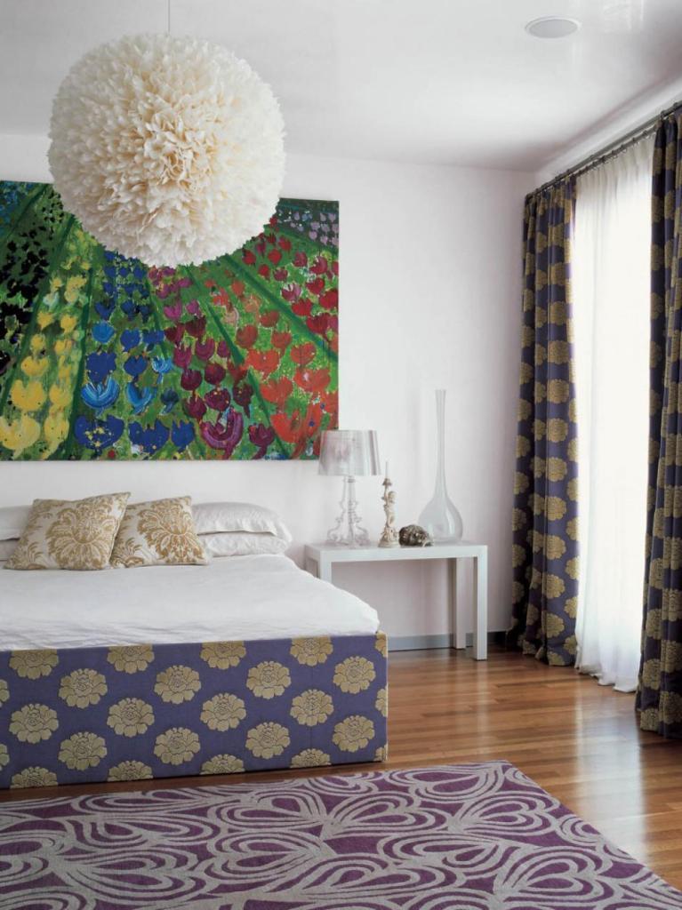 Яркий дизайн спальни в стиле фэн-шуй