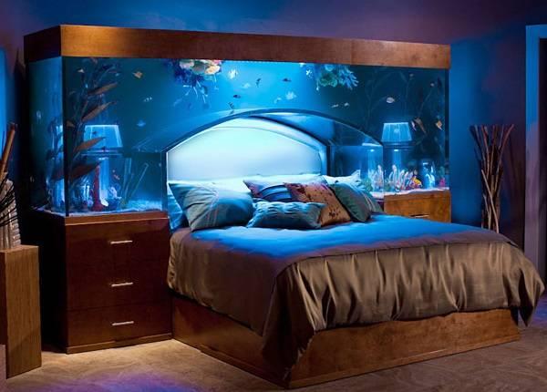 akvarium-kak-isgolovie-krovati