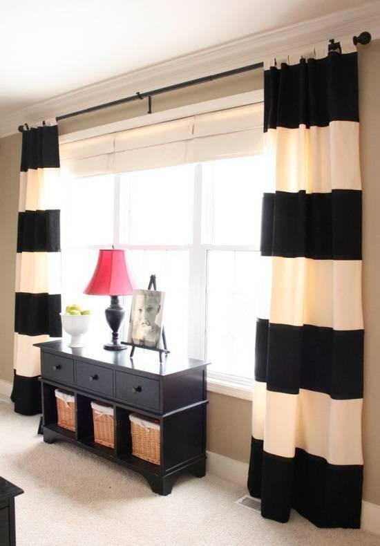 Стильные шторы в полоску для спальни