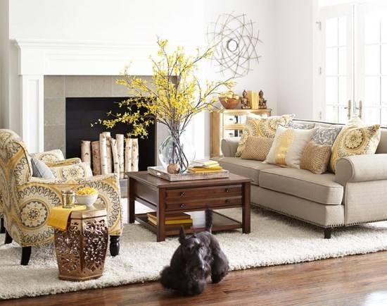 Декор гостиной с ярким желтым цветом