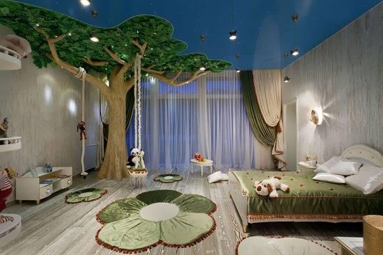 Дизайн большой детской комнаты с деревом