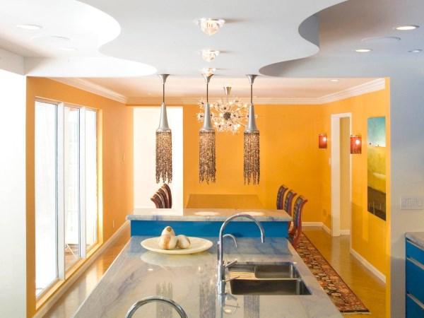 Гламурный дизайн кухни в оранжевом цвете
