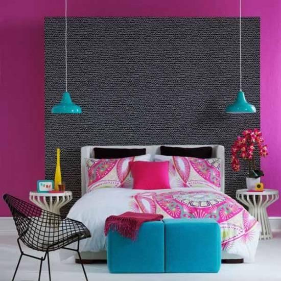 Модная спальня с яркими акцентами