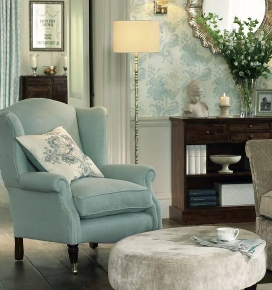 Дизайн гостиной в светло-голубом цвете