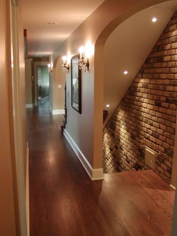 Встроенные светильники для освещения лестницы