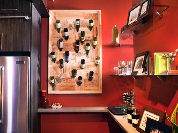 Покраска стен в красный цвет на кухне