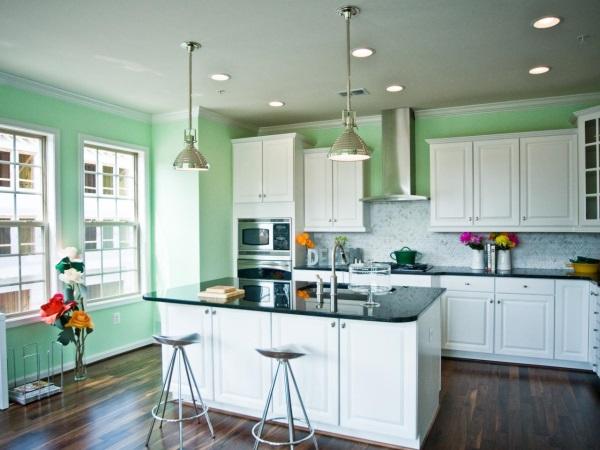 Кухня в светло-зеленом цвете