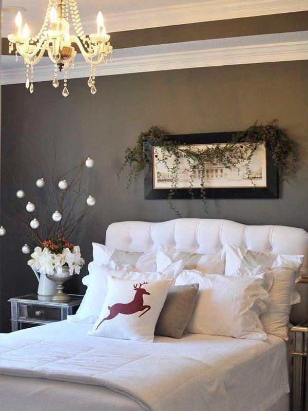prostoy-novogodniy-decor-dlya-spalni