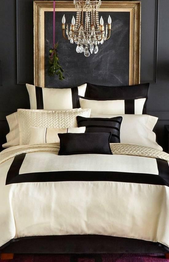 Роскошная спальня со школьной доской