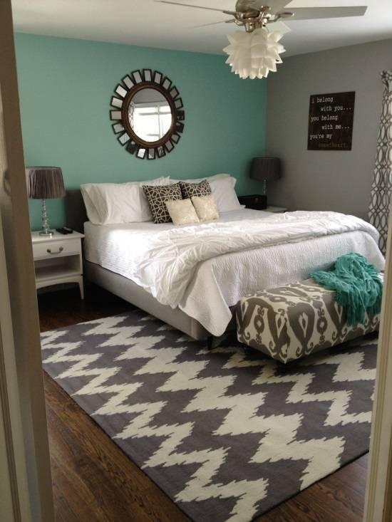 Нежные тона и красивые узоры в дизайне спальни