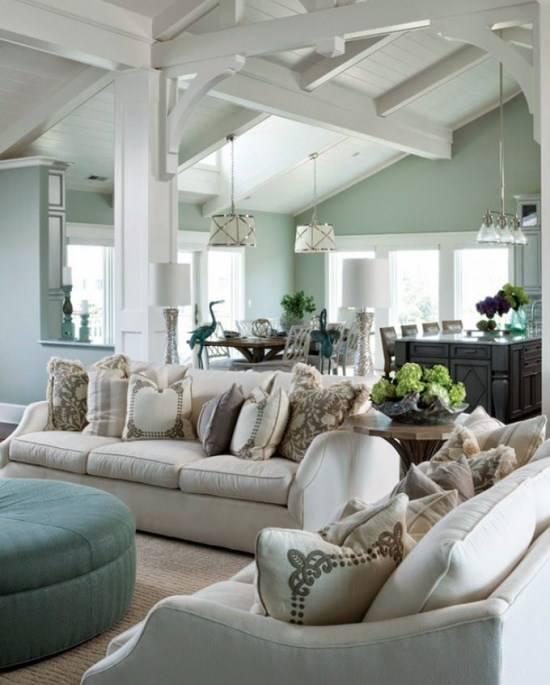 Свежий, но уютный дизайн гостиной