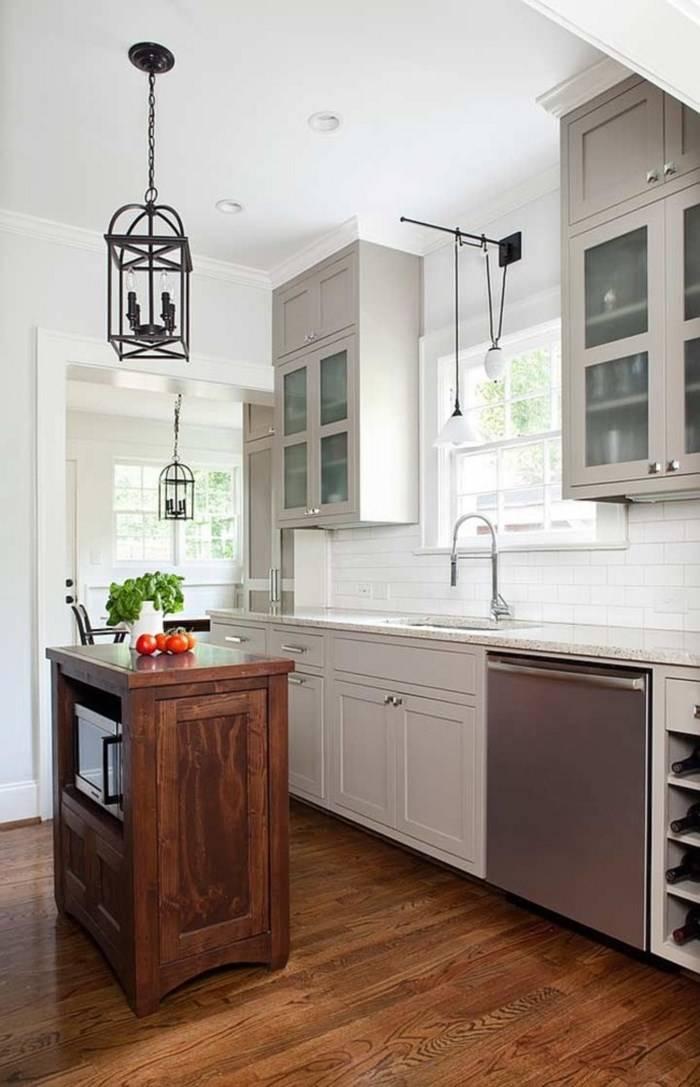 Винтажный остров в маленькой кухне