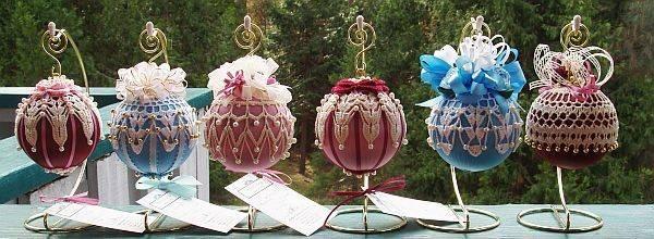 Кружевная отделка для новогодних украшений