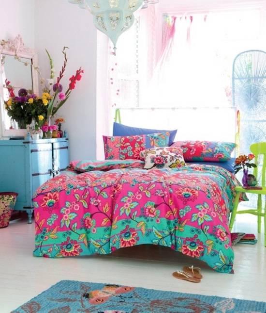 Яркий декор для спальни в восточном стиле