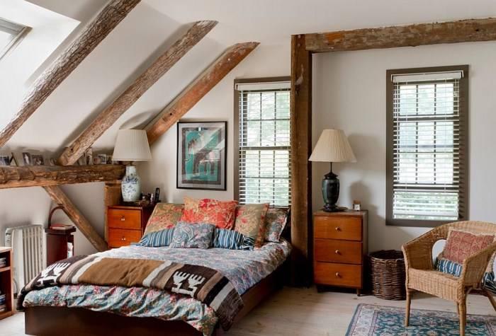 Эклектичная спальня с декором в стиле кантри