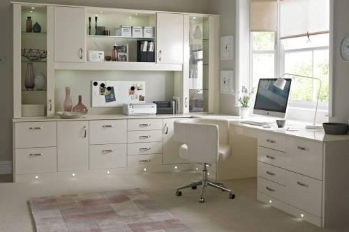 Мебель с подсветкой для домашнего офиса