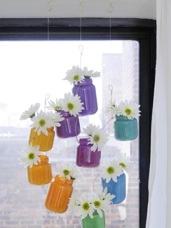 Цветы в банках