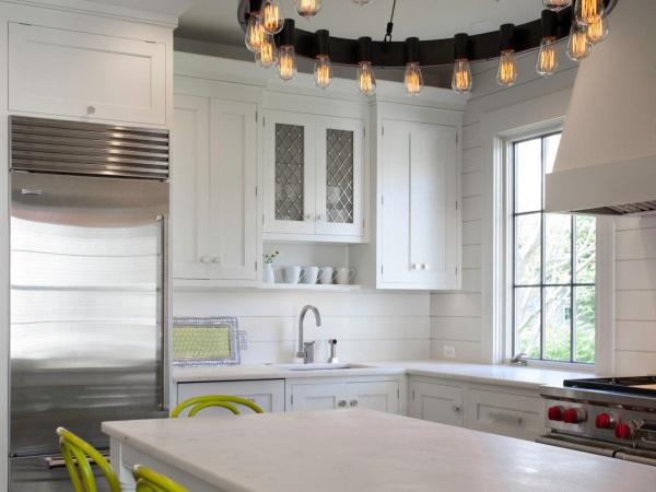 Кухонный фартук из окрашенной фанеры