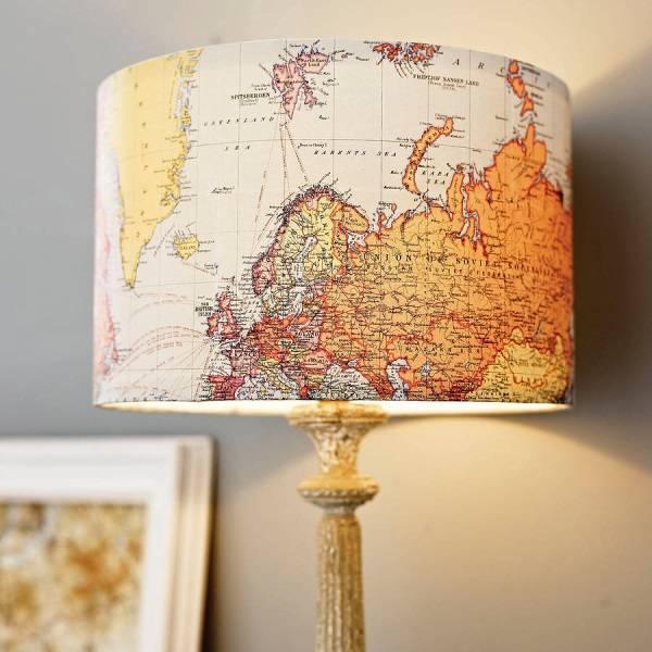 Настольная лампа из географической карты