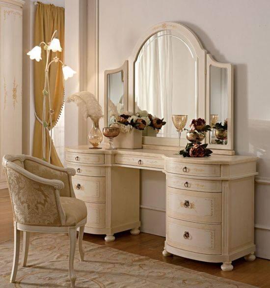 Туалетный столик для спальни в классическом стиле
